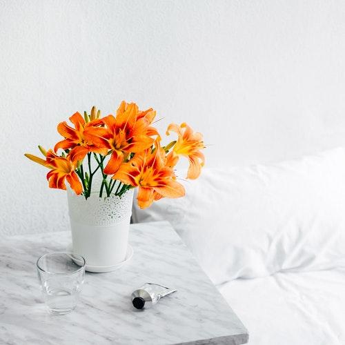 bijzettafeltje met marmeren blad