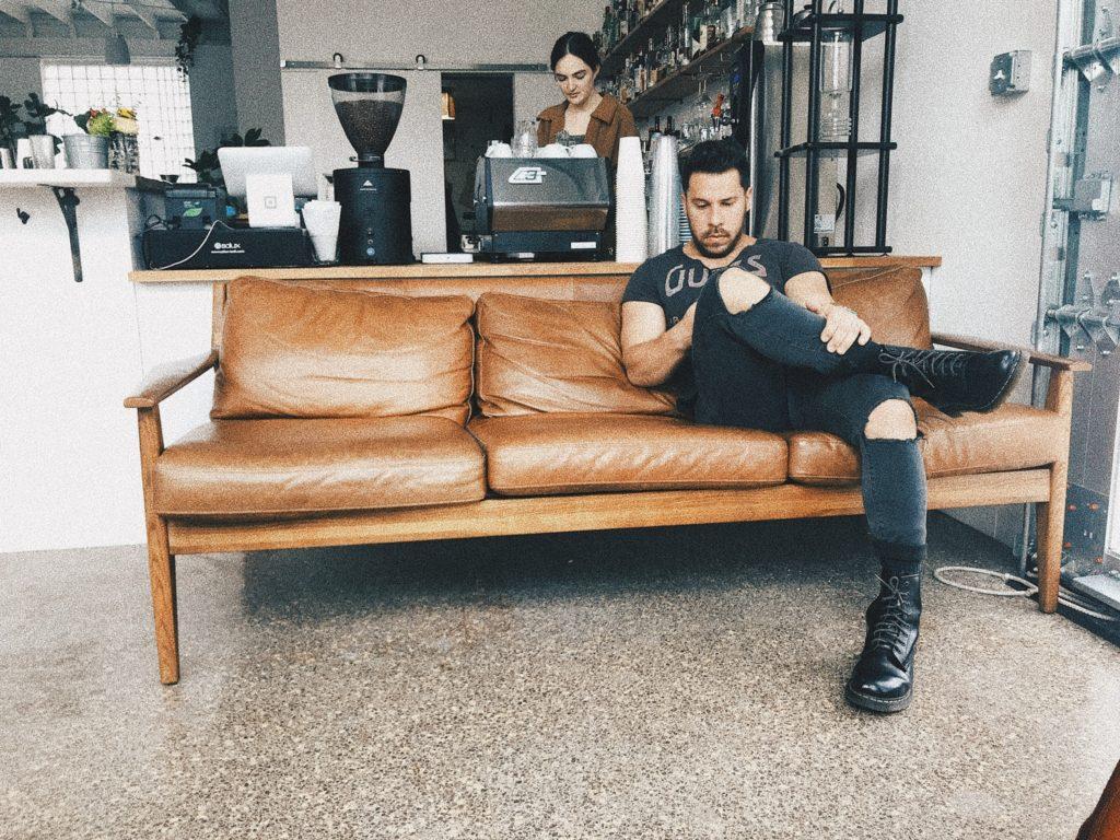 Cognac bruine leren bank enorm populair meubel