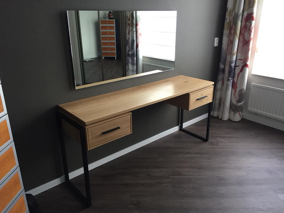 make-up tafel door notenboom