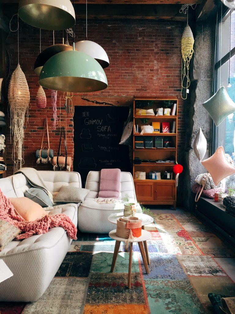 meubels modern in omgeving industrieel
