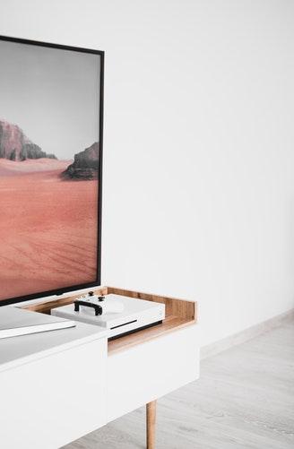 tv meubel gaat rekening houden met apparatuur