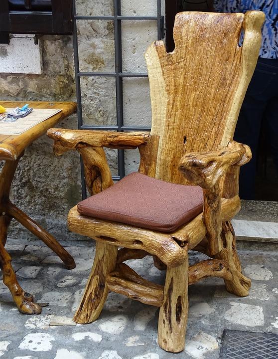 wortelhouten meubels